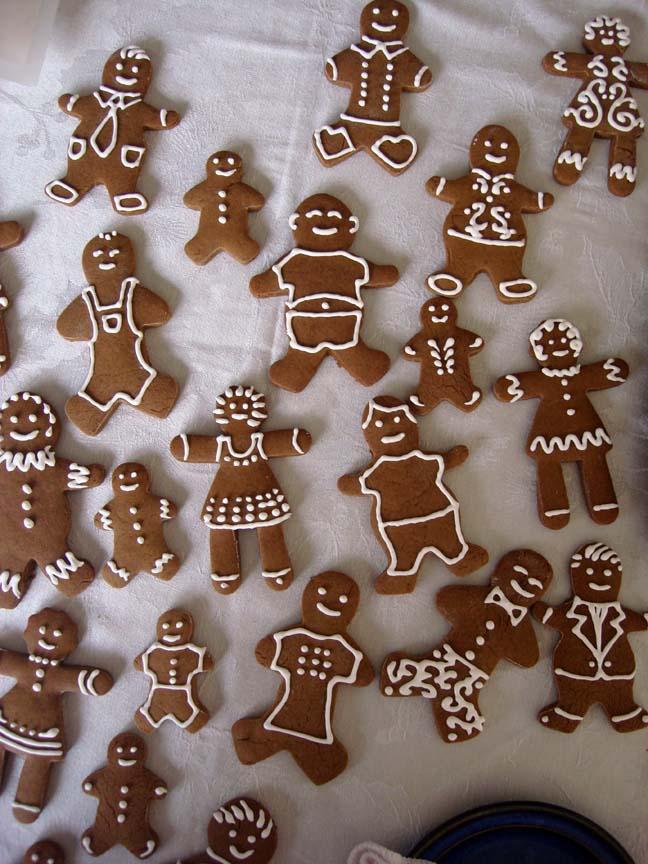 E Gingerbread Men